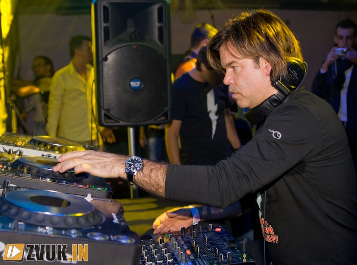 Digital Emotions with Paul Oakenfold